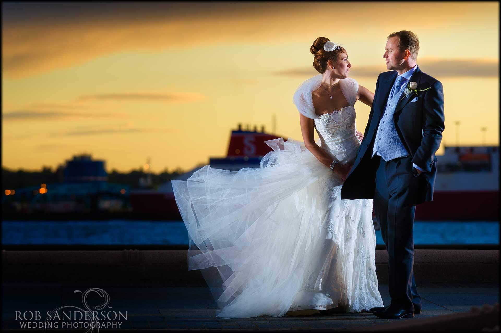stunning Liverpool waterfront wedding pic