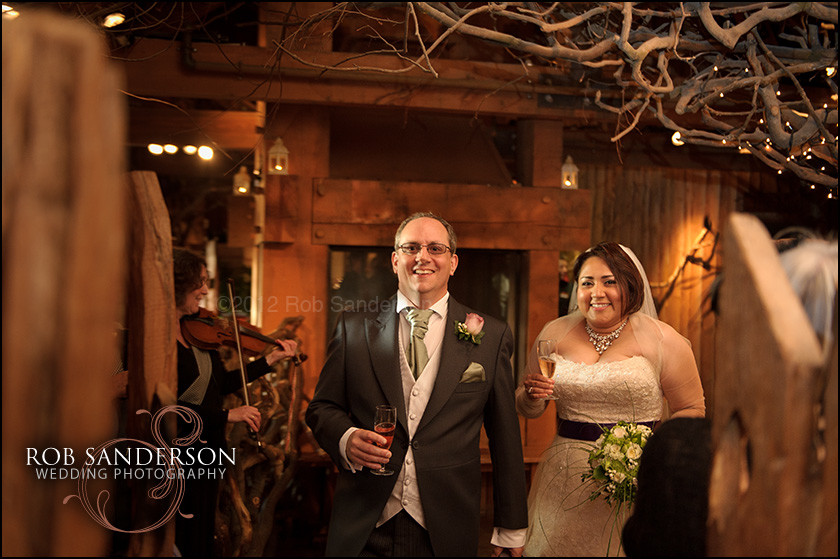 bride and groom at Alnwick treehouse