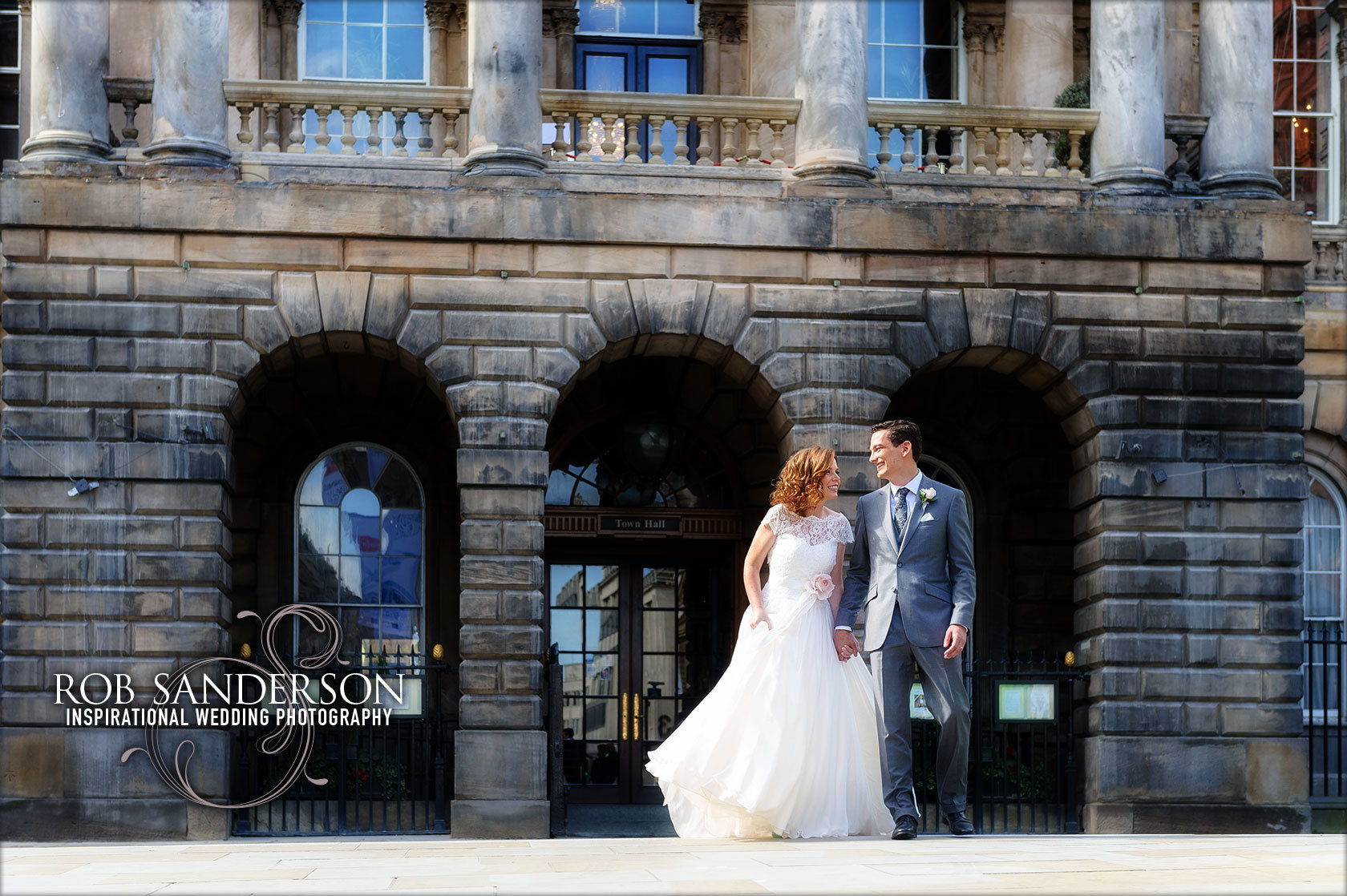 romantic Liverpool Town Hall wedding picture