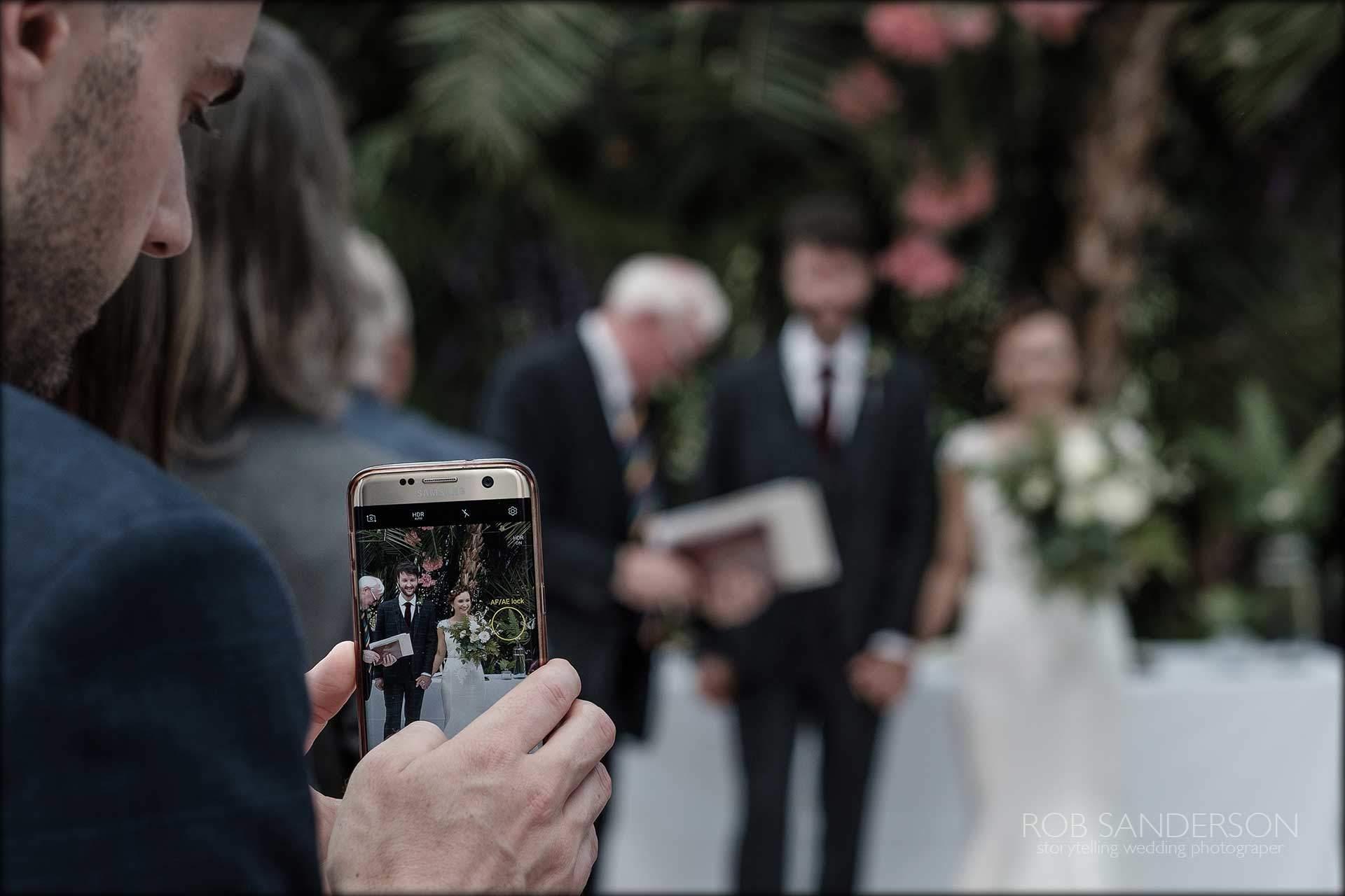 mobile phone wedding photography