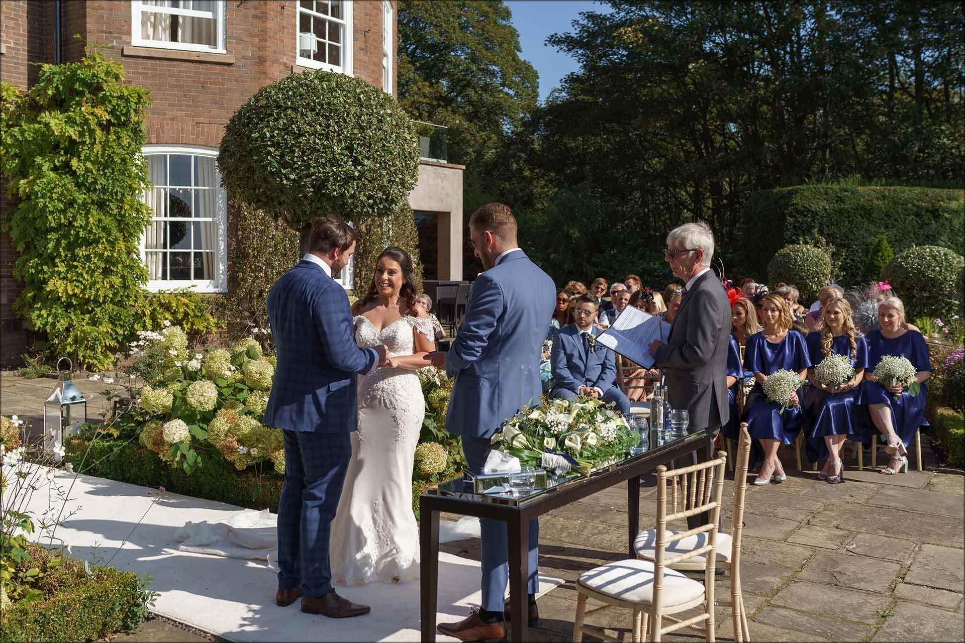 Outdoor exchanging wedding rings
