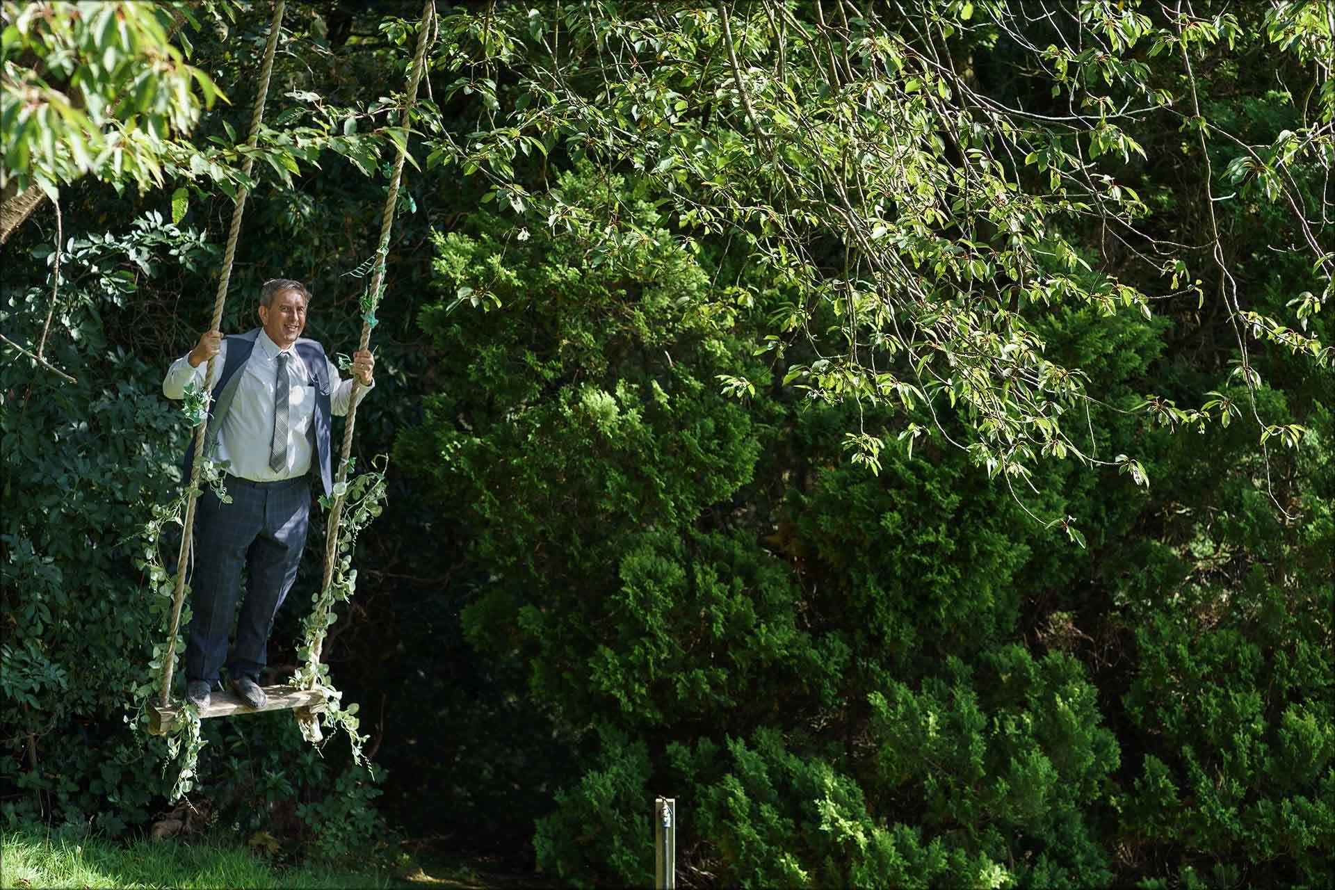 guest on swing